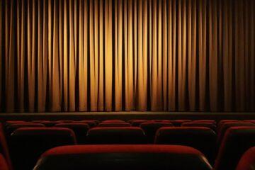 театр возвращается