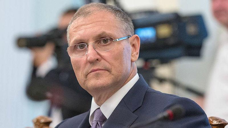вице губернатор петербурга подал в отставку