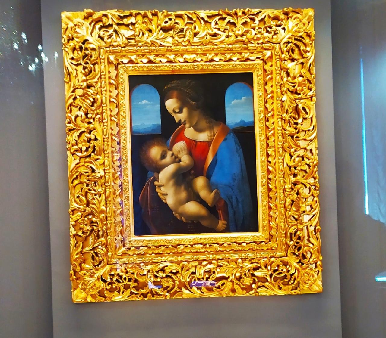 Мадонна с младенцем Леонардо да Винчи