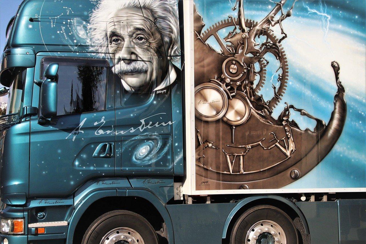 гений эйнштейн